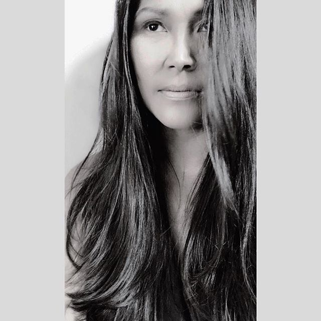 We love this stunning selfie from our guest, Rebecca! Rebecca and her kids have been using AVEDA's Sun Care Hair & Body Cleanser this summer to remove chlorine, salt, and sunscreen buildup after a day in the water. Before styling, she protects her hair against humidity with Smooth Infusion Style-Prep Smoother. Her routine isn't complete without a dime to nickel size amount of Nourishing Styling Creme, applied from midshaft to ends to help smooth and nourish the hair, leaving her hair with natural movement.