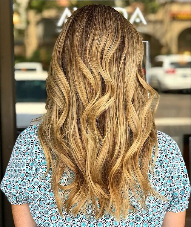 This sun-kissed blonde has us wishing that summer would never end! 🌞___________________________#instahair #instabeauty #atthesalon #salonlife #hair #hairspiration #hairsalon #haircolor #hairstyles #hairstyling #haircut #carlsbad #sandiego #sandiegohair #carlsbadhair #aveda #avedacolor #avedaproducts #avedaartist #smellslikeaveda #crueltyfree #botanicals #knowwhatyouremadeof #plazapaseoreal #blonde #summer #california