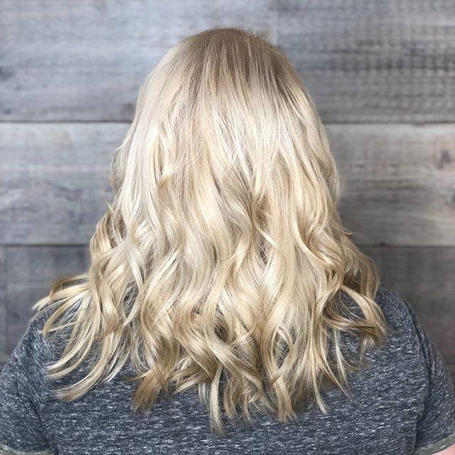 Aveda Blondes have more fun! ___________________________#instahair #instabeauty #atthesalon #salonlife #hair #hairspiration #hairsalon #haircolor #hairstyles #hairstyling #haircut #carlsbad #sandiego #sandiegohair #carlsbadhair #aveda #avedacolor #avedaproducts #avedaartist #smellslikeaveda #crueltyfree #botanicals #knowwhatyouremadeof #plazapaseoreal #blonde #summerhair