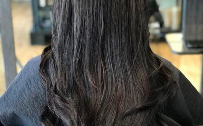 Air Control Light Hold Hairspray is the little black dress of mists: it's flexible, versatile, and can make your look, no matter the occasion! Hold the can 6-8 inches from dry hair and spray in short bursts. Layer product to build more hold. To add volume, direct the spray towards roots.