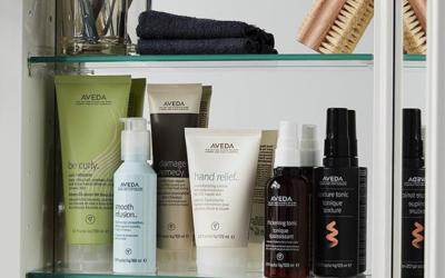 Feel good about your beauty routine. This crave-worthy shelf of cult favorite products is 100% #crueltyfree, never tested on animals. ___________________________#instahair #instabeauty #atthesalon #salonlife #hair #hairspiration #hairsalon #haircolor #hairstyles #hairstyling #haircut #carlsbad #sandiego #sandiegohair #carlsbadhair #aveda #avedacolor #avedaproducts #avedaartist #smellslikeaveda #crueltyfree #botanicals #knowwhatyouremadeof #plazapaseoreal#KnowWhatWereMadeOf #AvedaMission #repost @aveda